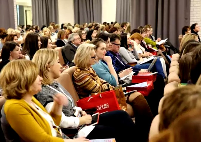 Участники конференции «Вызовы современности: психология зависимости»
