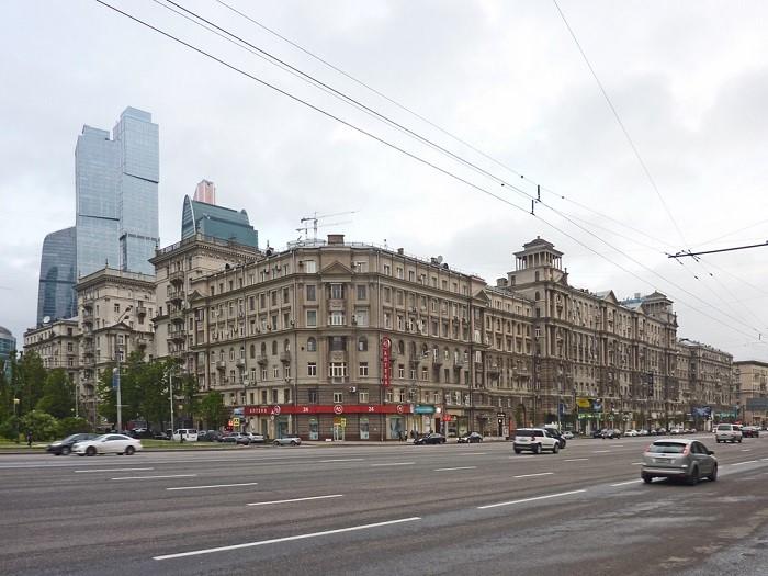 Дом №26 (Дом Брежнева) на Кутузовском проспекте