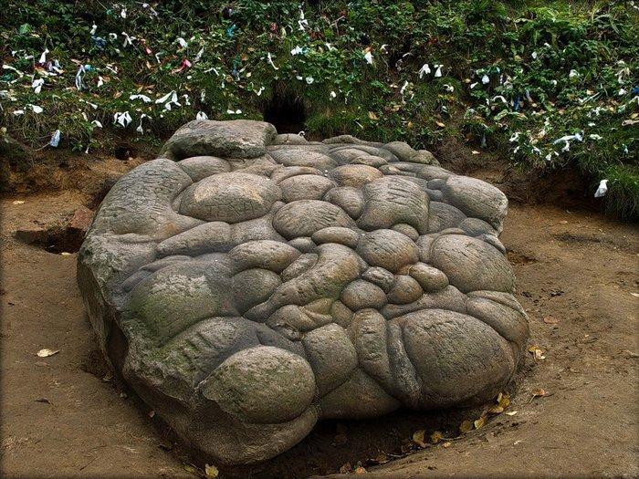 Девий камень