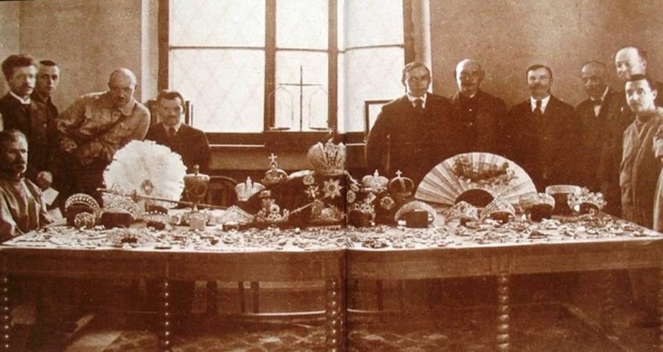Большевики в Кремле