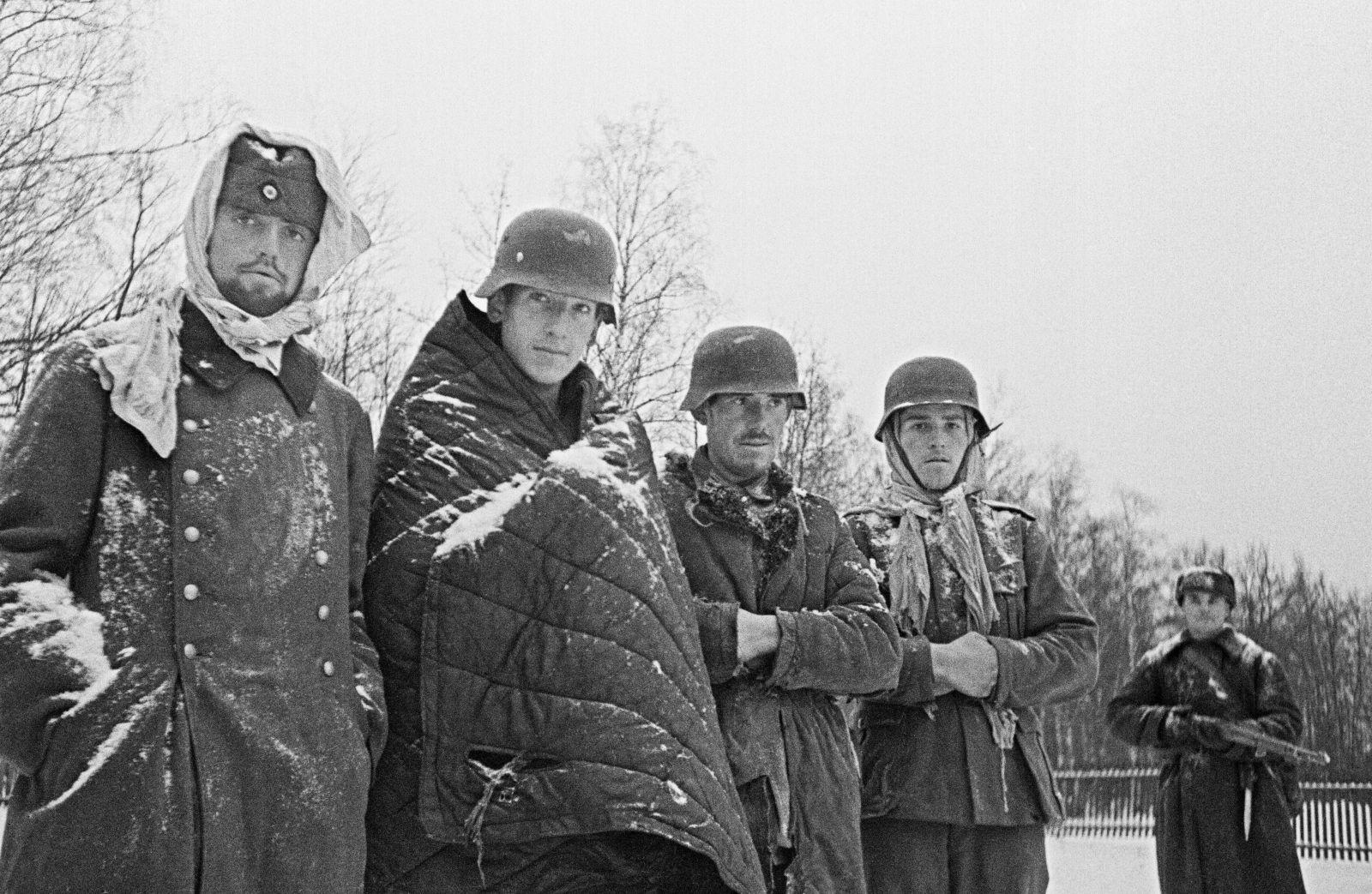 Пленные немцы после сражения под Москвой в 1941 году