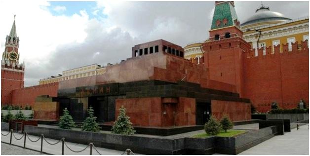 Каменный мавзолей В.И.Ленина