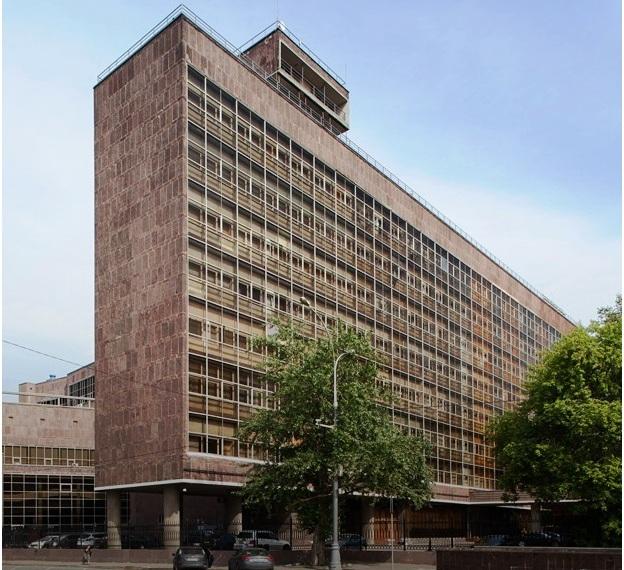 Здание Центросоюза, построенное по проекту Ле Карбюзье созданному в 1928 (ныне Росстат)