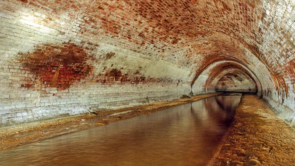 Река Неглинная в коллекторе